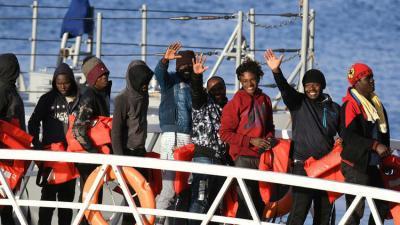 وفاة 10 مهاجرين بغرق قاربهم قبالة ليبيا