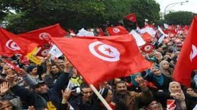 تونس .. احتجاجات تطالب بتنحي الحكومة وحل البرلمان